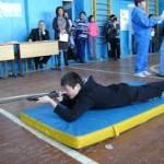 Работник завода ЖБИ сдают нормы ГТО
